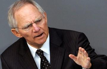 Σόιμπλε: «Η Ελλάδα δεν είναι κίνδυνος για το ευρώ»