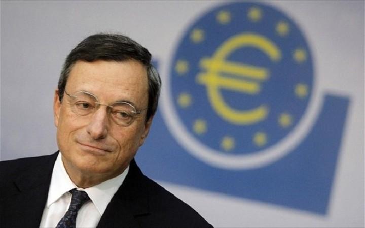 FT: Ο Μάριο Ντράγκι ανησυχεί για τις αντοχές της ευρωπαϊκής οικονομίας