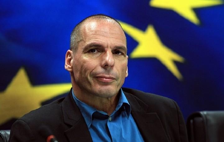 Βαρουφάκης: Η Ελλάδα πρέπει να επιστρέψει στις αγορές - Τι σχέδιο ετοιμάζει