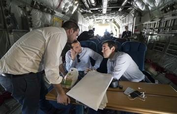 Μαζί με τον Τσίπρα ταξιδεύουν Τσακαλώτος,Παππάς και Σακελλαρίδης για το κρίσιμο ραντεβού με Γιούνκερ