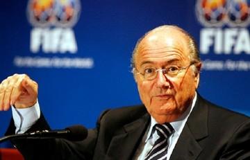 Παραιτήθηκε ο Μπλάτερ από πρόεδρος της FIFA