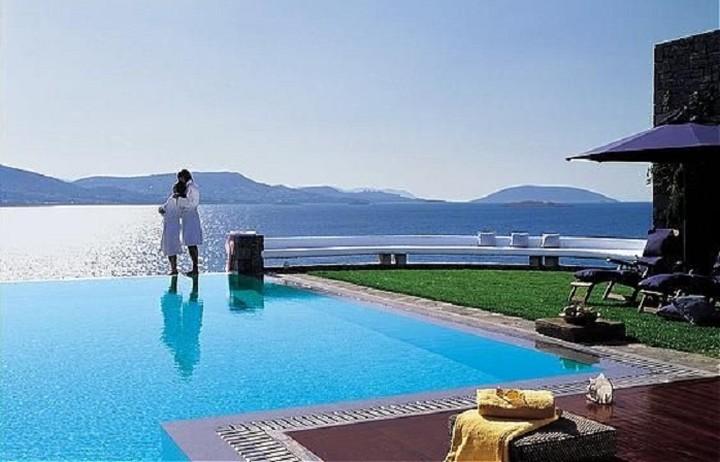 Στην Ελλάδα το ακριβότερο δωμάτιο ξενοδοχείου στον  κόσμο - Δείτε το top 10