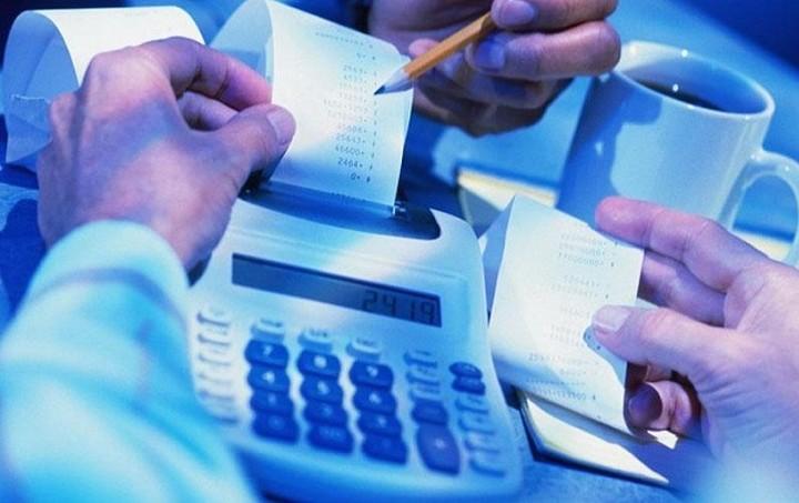 Ανατιμήσεις «φωτιά» σε βασικά προϊόντα, εισιτήρια και υπηρεσίες λόγω ΦΠΑ