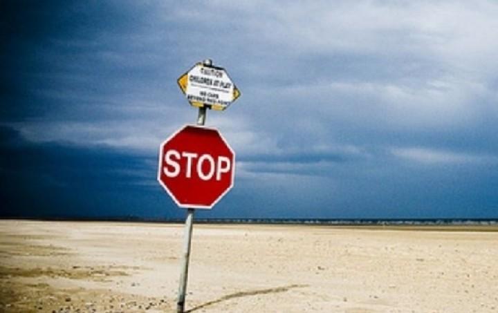 Μια στις τρεις παραλίες της Αττικής κρίνονται ακατάλληλες - Δείτε ποιες (Λίστα)