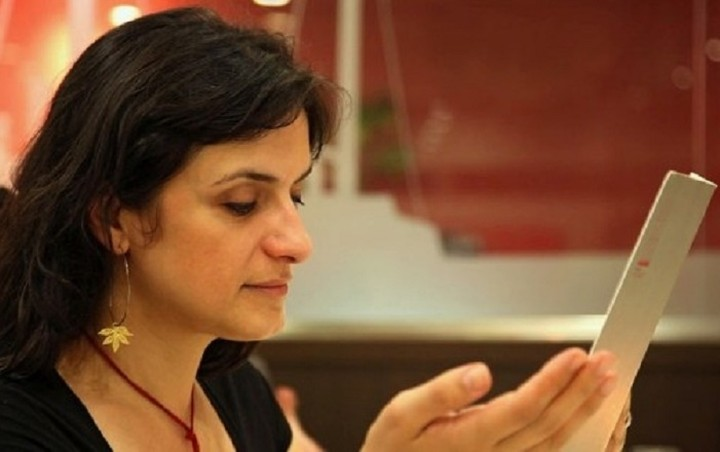 Το άγνωστο βιογραφικό της Έλενας Παναρίτη