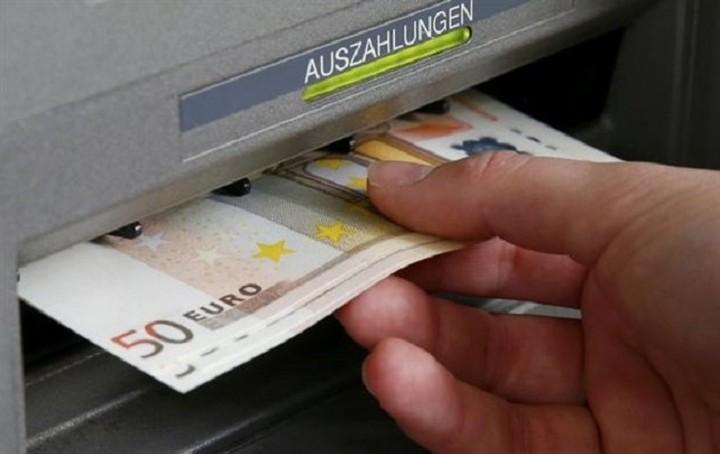 «Κόκκινος συναγερμός» από Moody's: Οι καθυστερήσεις αυξάνουν τον κίνδυνο για capital controls