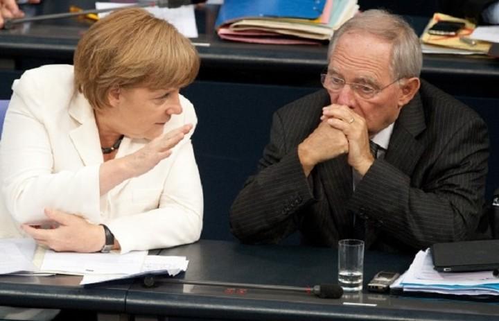 Μεγαλώνει η διαφωνία Μέρκελ - Σόιμπλε σχετικά με το μέλλον της Ελλάδας