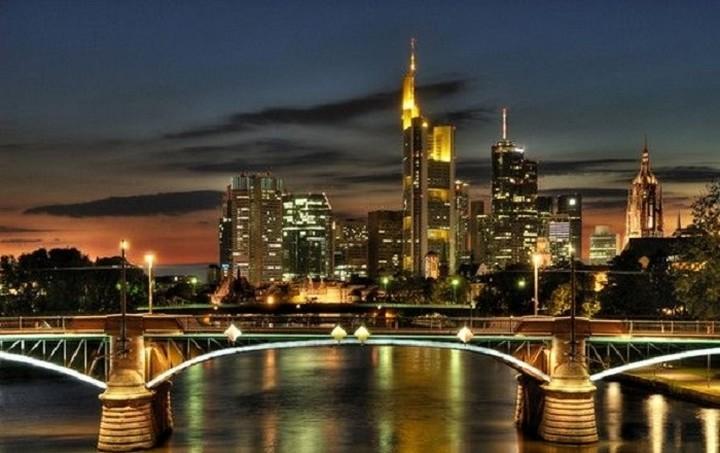 Οι ευρωπαϊκές πόλεις με τις μεγαλύτερες αυξήσεις στις ξενοδοχειακές τιμές - Σε ποια θέση βρίσκεται η Ελλάδα