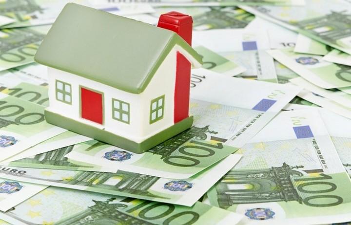 Διάταξη- βόμβα υποχρεώνει τους οφειλέτες των ταμείων να υποθηκεύουν τα σπίτια τους