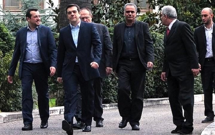 FAZ: Η ελληνική κυβέρνηση κοροϊδεύει τους δανειστές