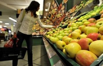 Χαράτσι μέσω ΦΠΑ: Βασικά αγαθά και υπηρεσίες γίνονται προϊόντα πολυτελείας
