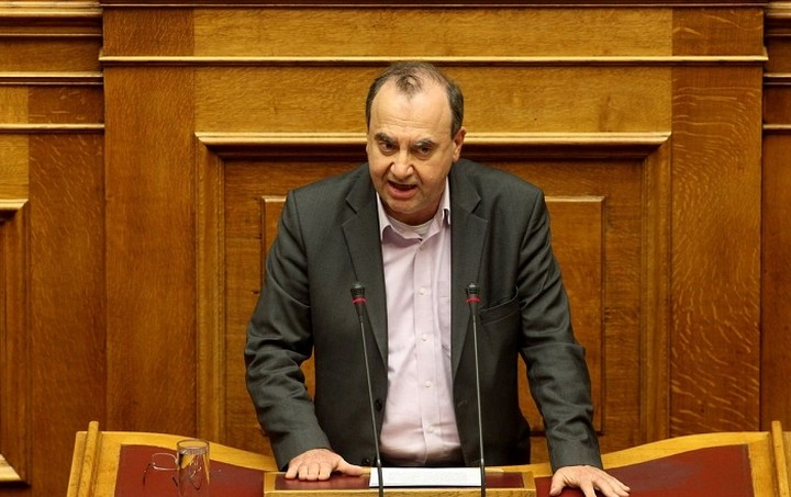 Στρατούλης: Ανυποχώρητη η κυβέρνηση στο θέμα των μισθών και των συντάξεων