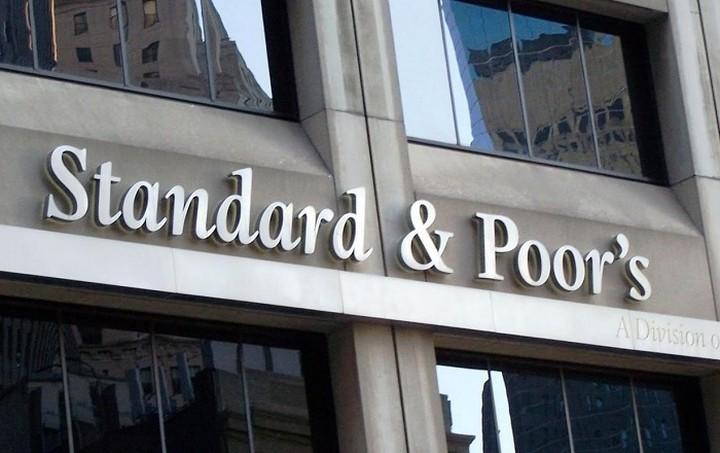 S&P: Η Ελλάδα δεν θα υποβαθμιστεί εαν αθετήσει την πληρωμή της προς την ΕΚΤ