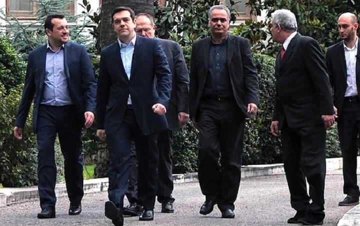 Telegraph: Η ελληνική κυβέρνηση ενδέχεται να ζητήσει ασφαλιστικά μέτρα για τους δανειστές