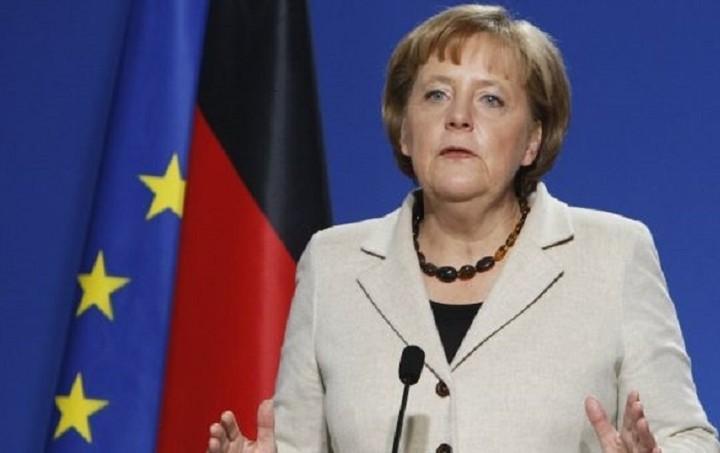 Μέρκελ: Η Ελλάδα να υλοποιήσει τους όρους του τρέχοντος προγράμματος στήριξης