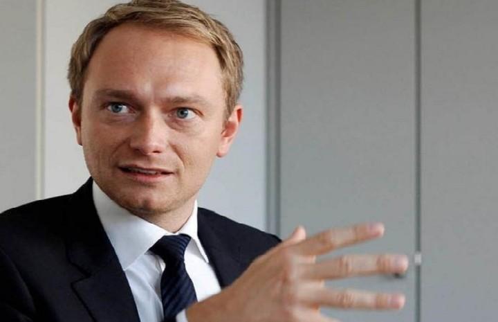 Ο πρόεδρος των Γερμανών Φιλελευθέρων ζητά από τον Τσίπρα να απολύσει τον Βαρουφάκη