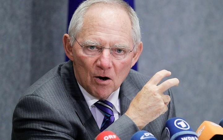 Σόιμπλε: Λίγες ελπίδες για συμφωνία στο Eurogroup της Πέμπτης