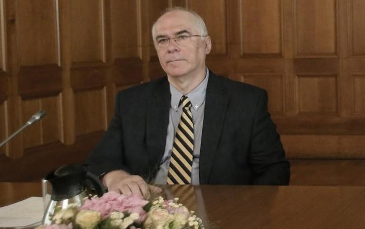 Νέος εκπρόσωπος της Ελλάδας στο ΔΝΤ ο καθηγητής Μιχάλης Ψαλιδόπουλος