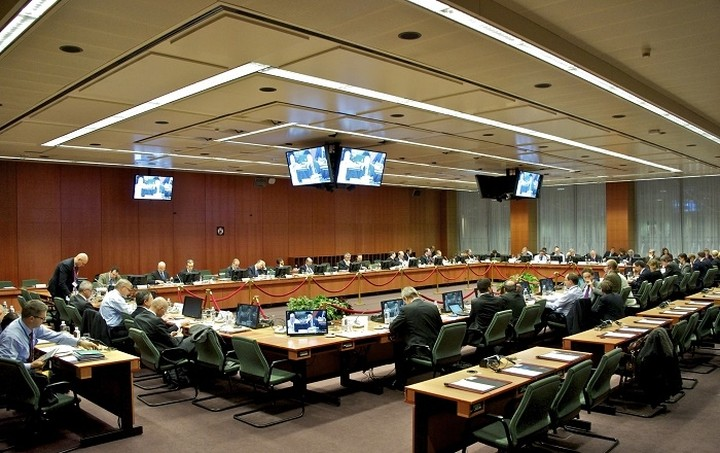 """Η διαχείριση της ελληνικής χρεοκοπίας στο """"τραπέζι"""" του Eurogroup αν δεν κατατεθούν προτάσεις"""