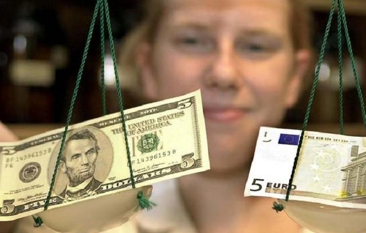 Goldman Sachs: Στο 1 προς 1 θα διαμορφωθεί η ισοτιμία ευρώ – δολαρίου εάν δεν υπάρξει συμφωνία