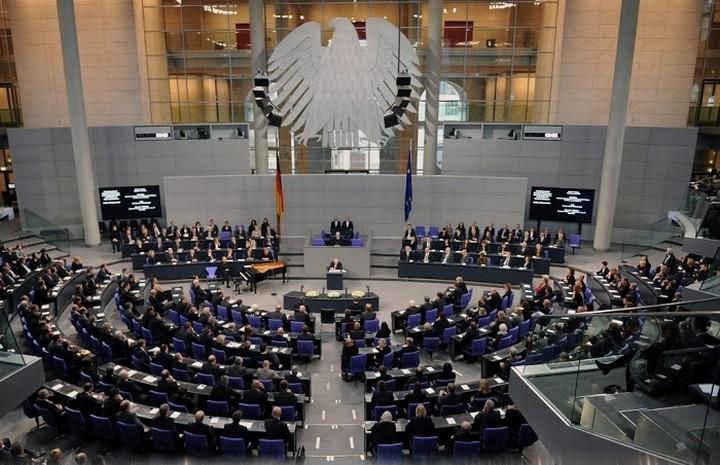 Σκληρή η στάση των γερμανικών κομμάτων για το θέμα της Ελλάδας