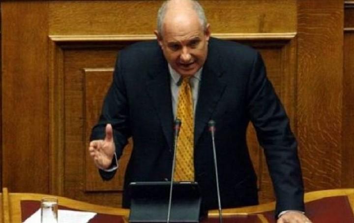 Τέρενς Κουίκ: Η συμφωνία θα πρέπει να συνδεθεί με ρύθμιση του χρέους
