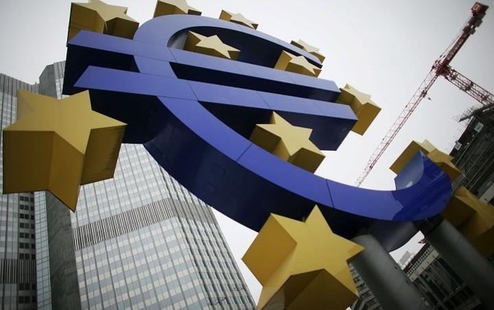Bloomberg: Το Eurogroup εξετάζει επιστροφή 3,35 δισ. ευρώ στην Ελλάδα αν υπάρξει συμφωνία