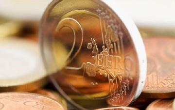 Ευρωπαίοι οικονομολόγοι: Το μεγάλο ταμπού στις διαπραγματεύσεις είναι η αναδιάρθρωση του χρέους