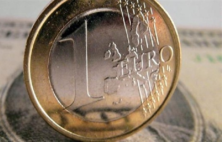 Oριακή άνοδο για το ευρώ σε ποσοστό 0,03%