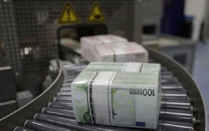 ΤτΕ: Μόνο τον Μάιο έκαναν «φτερά» από τις ελληνικές τράπεζες 3,7 δισ. ευρώ
