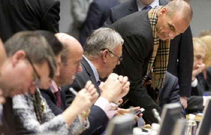 Reuters: Παράταση θα ζητήσει από το Eurogroup ο Βαρουφάκης
