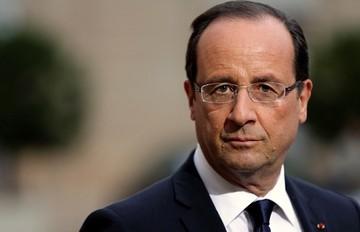 Ολάντ: Είναι καθήκον μας να κρατήσουμε την Ελλάδα στο ευρώ