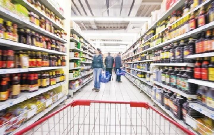 Στελέχη των supermarket απαντούν: Θα υπάρξουν ή όχι ελλείψεις στα ράφια και σε ποια είδη;