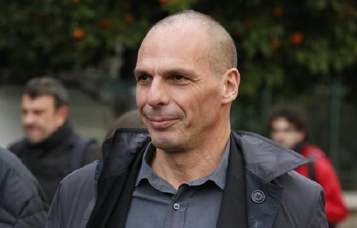 Βαρουφάκης στο CNN: Το δίλημμα του δημοψηφίσματος δεν είναι «ευρώ ή δραχμή»