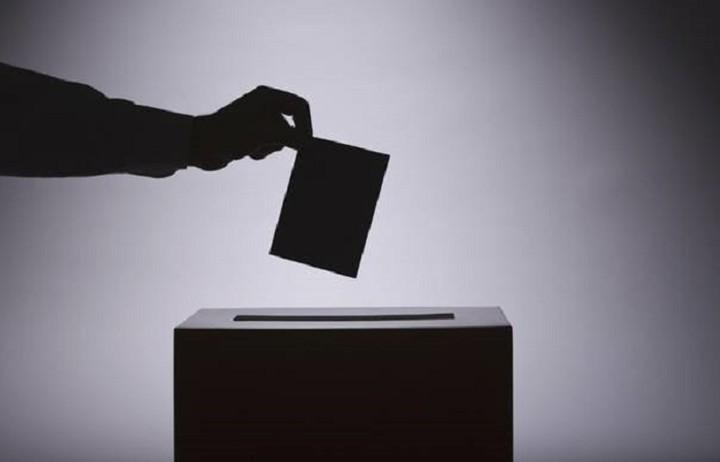 Μάθετε τηλεφωνικά που ψηφίζετε
