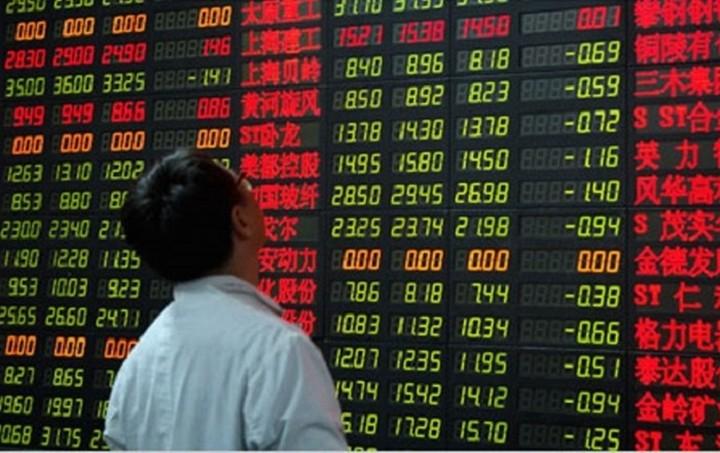 """«Βουτιά» στις ασιατικές αγορές μετά το ελληνικό """"όχι"""" - Αντιστέκεται το ευρώ"""