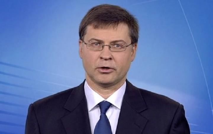 Ντομπρόβσκις: Η διαπραγμάτευση θα ξαναρχίσει μόνο με εντολή Eurogroup