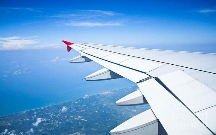 """Ποια αεροπορική """"κουρεύει"""" τις τιμές των εισιτηρίων λόγω capital control - Οι νέες τιμές"""