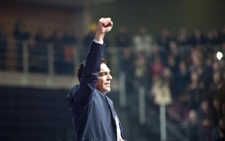 Το παράδοξο της Ελλάδας: Στις τράπεζες τελειώνουν τα λεφτά αλλά ο Τσίπρας έγινε ηγέτης