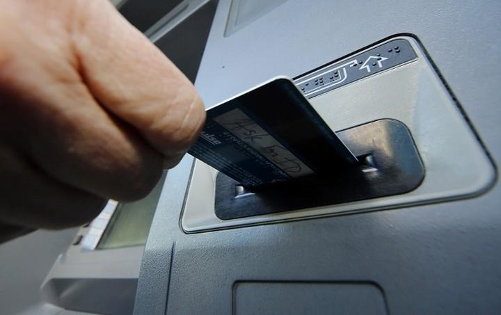 Όλα τα σενάρια για τα ATMs, τις θυρίδες και τα καταστήματα των τραπεζών