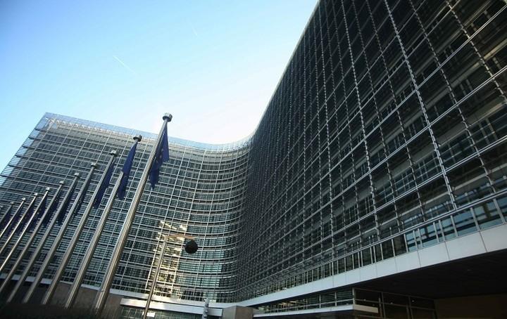 Κομισιόν: Το βασικό σχέδιο είναι παραμονή της Ελλάδας στο ευρώ