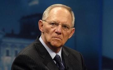 Σόιμπλε:«Η Λαγκάρντ έχει δίκιο ότι το ελληνικό χρέος ίσως δεν είναι βιώσιμο χωρίς κούρεμα»