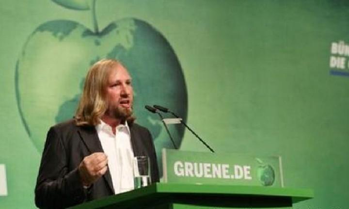Έκτακτη σύγκλιση της Βουλής για την Ελλάδα ζητά η ΚΟ των Γερμανών Πρασίνων