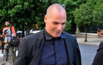 Βαρουφάκης:«Βεβαίως και θα μιλήσω για μέτρα που προβλέπει η συμφωνία»