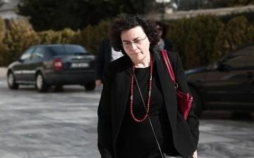 Η Βαλαβάνη απαντά για την ανάληψη των 200.000 ευρώ