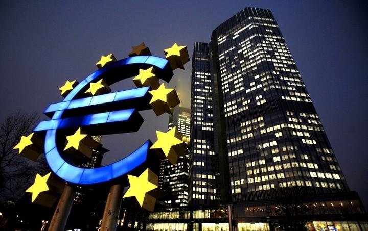 «Ανάσα» στις ελληνικές τράπεζες δίνει η ΕΚΤ