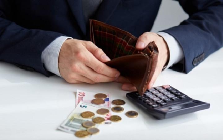 Πόσο θα κοστίσει στην τσέπη μας η αύξηση του ΦΠΑ