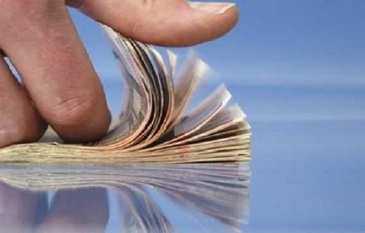 Εκροές ρευστότητας 820 εκατ. ενέκρινε η Επιτροπή για τα capital controls