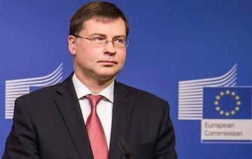 Ντομπρόφσκις: Διπλή εγγύηση στις χώρες της ΕΕ για το δάνειο - «γέφυρα» της Ελλάδας