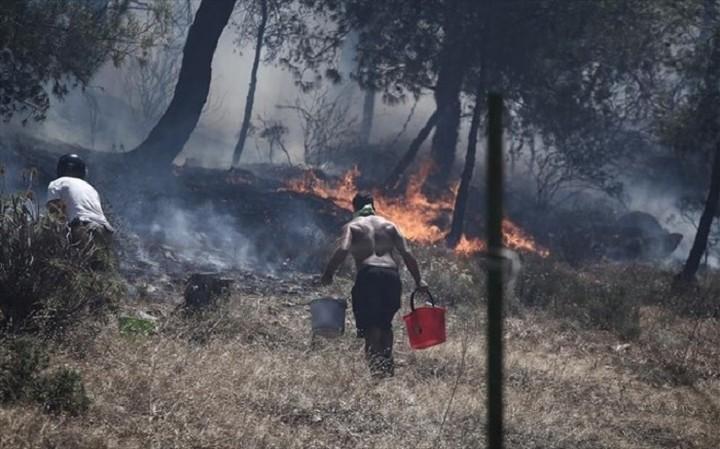 Υπ. Εσωτερικών: Τι πρέπει να κάνετε όταν η φωτιά πλησιάζει σε σπίτια